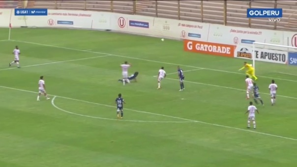 Esta fue la falta de Luis Álvarez en contra de Jorge Cazulo dentro del área.