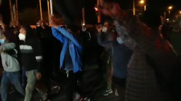 Los manifestantes celebran la derogación de la Ley de Promoción Agraria.