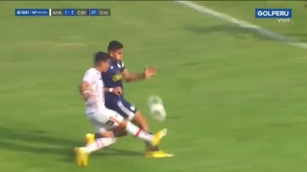 Gianfranco Chávez tuvo una mano dentro del área y no fue cobrada en partido ante Ayacucho FC