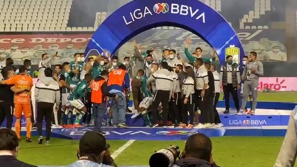 Así celebró el plantel el título de Guard1anes 2020 por la Liga MX