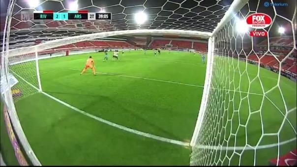 River Plate 2-1 Arsenal: así fue el gol Jhonatan Candia