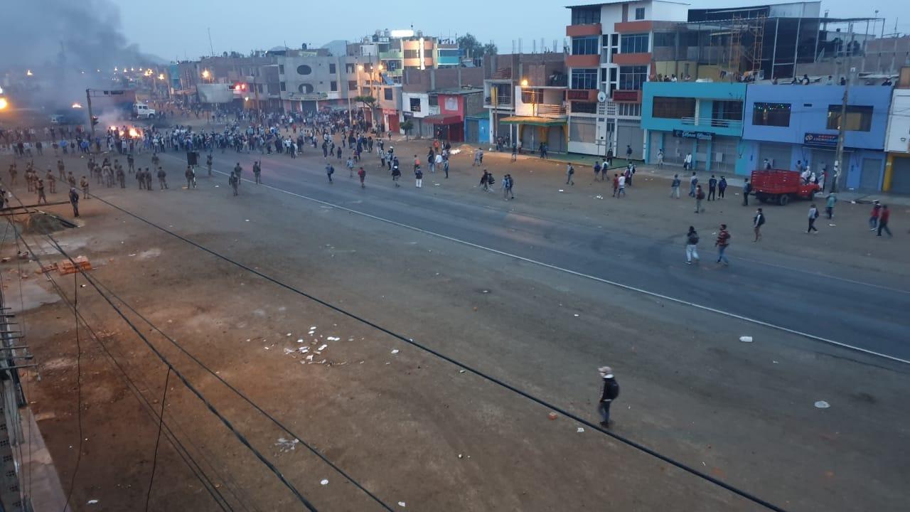 Los manifestantes lograron bloquear la Panamericana Norte en el distrito de Chao.