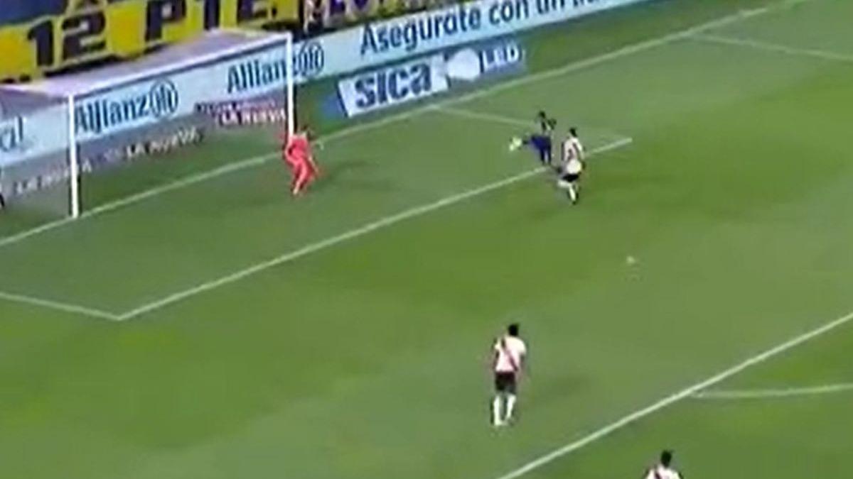 Así fue el gol de 'Wanchope' Ábila para 1-0 en Boca vs. River.