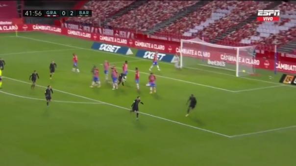 Lionel Messi anotó un golazo de tiro libre ante Granada