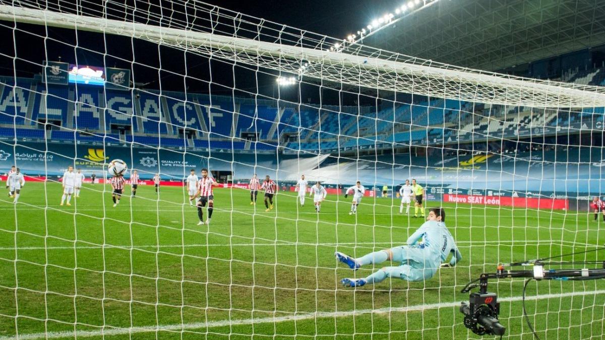 El doblete de Raúl García ante Real Madrid.