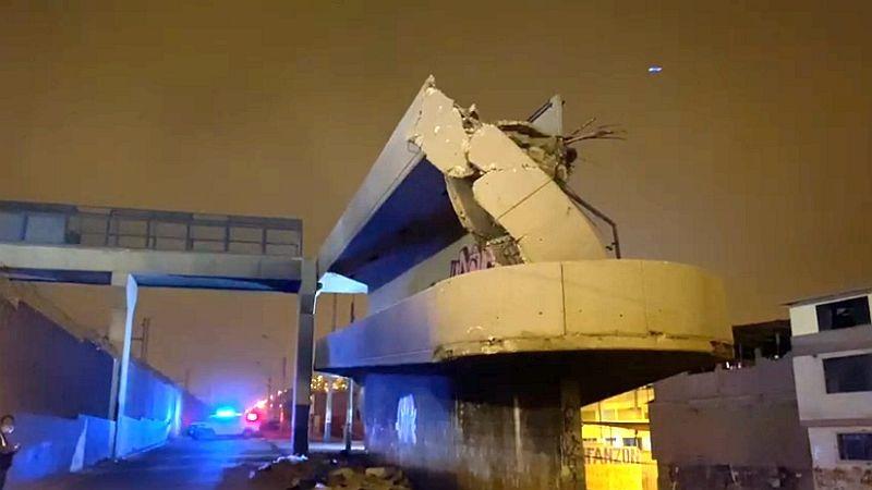 Así quedó el puente Número 12, ubicado en el cruce de las avenidas Huarochirí y Unión.