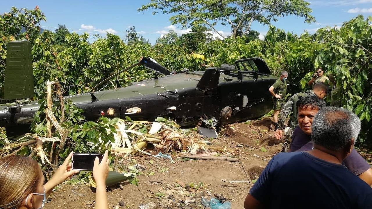 Un testigo grabó el momento exacto en que el helicóptero cae.