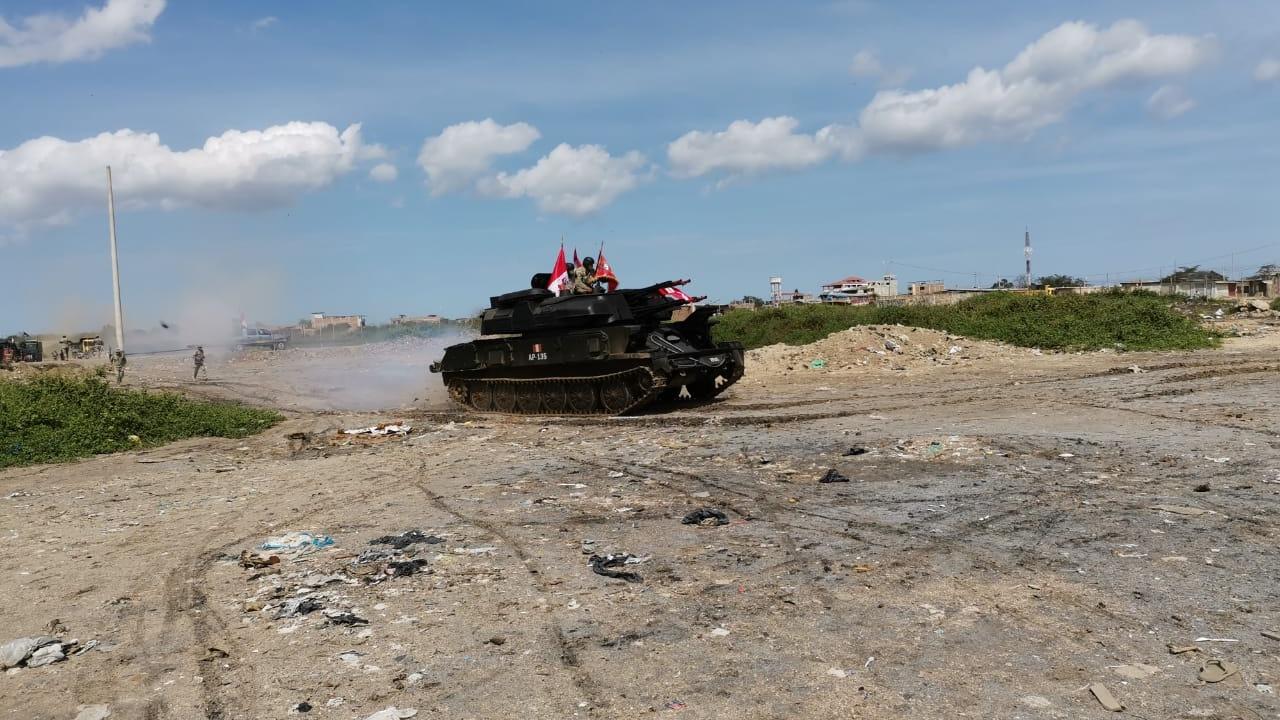 Más de mil soldados se desplegaron a la frontera para ayudar en el control de ilegales que pretenden ingresar al Perú.