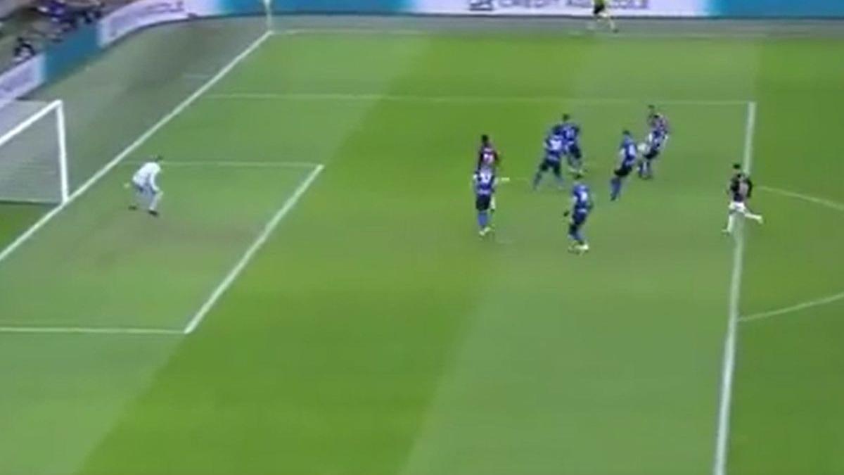 Así fue el gol de Zlatan en el AC Milan vs. Inter.