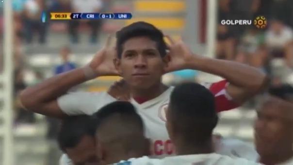 Último gol de Flores en el fútbol peruano, en un Universitario vs. Cristal