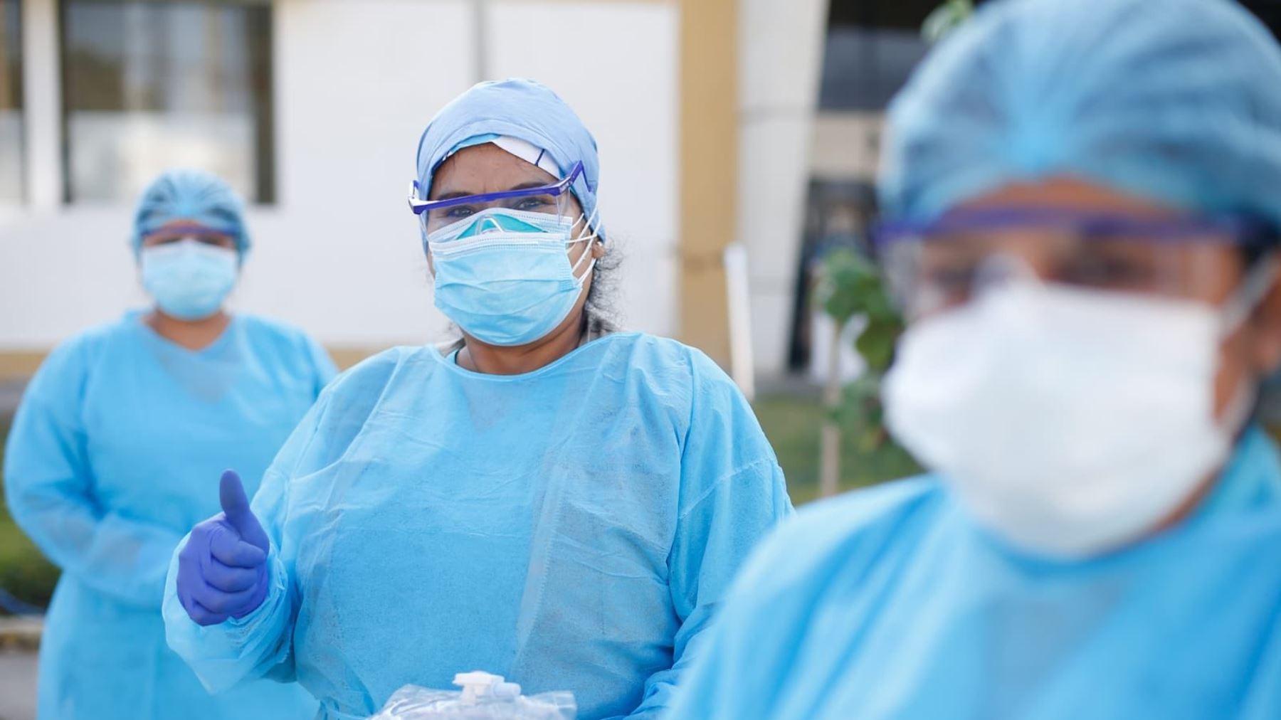 De acuerdo al Colegio de Enfermeros del Perú, en el país hay cerca de 99 mil enfermeras colegiadas.