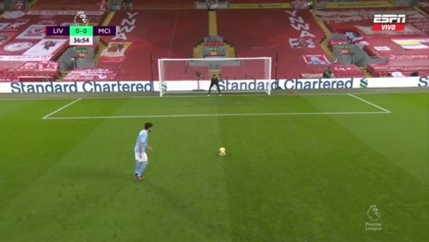 Gundogan erró penal ante Liverpool y así reaccionó Pep Guardiola