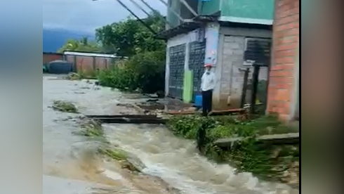 Quince viviendas quedaron destruidas en Santa Rosa de Alto Yanajanca.