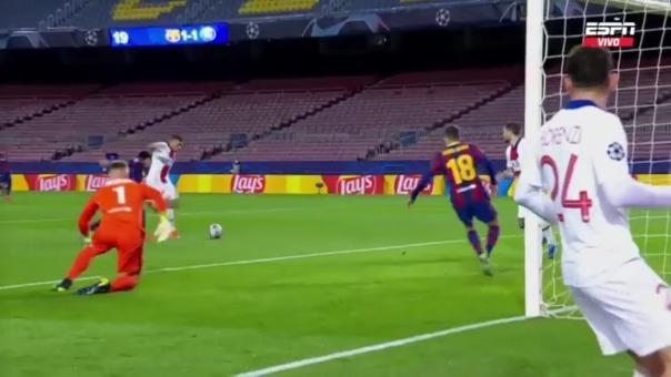 Kylian Mbappé convirtió su doblete para el 1-2 de PSG en el Camp Nou