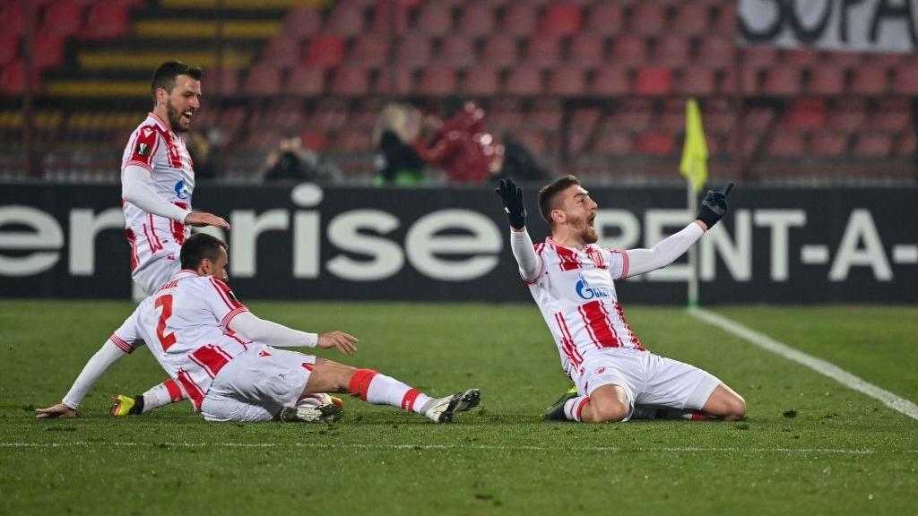 Gol de Pavkov para el definitivo 2-2 en Belgrado
