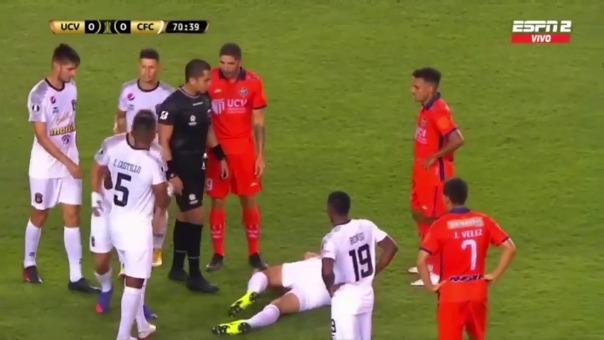 Osio quedó tendido en el campo de juego tras choque con Frank Ysique