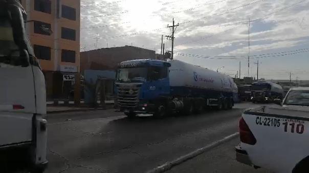 Esta mañana partieron 40 toneladas de oxígeno donadas por Chile desde Camaná, Arequipa.