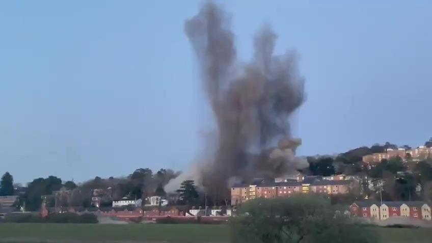 Así fue la explosión en Exeter.