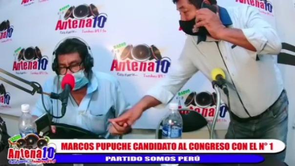 Video muestra los momentos en que candidato entrega una supuesta dádiva a entrevistador de Antena 10.