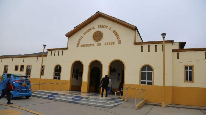 La anciana fue trasladada al Hospital Sergio Bernales de Collique.
