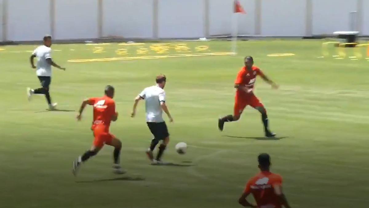 Así anotó Hernán Novick en el Universitario contra Binacional.