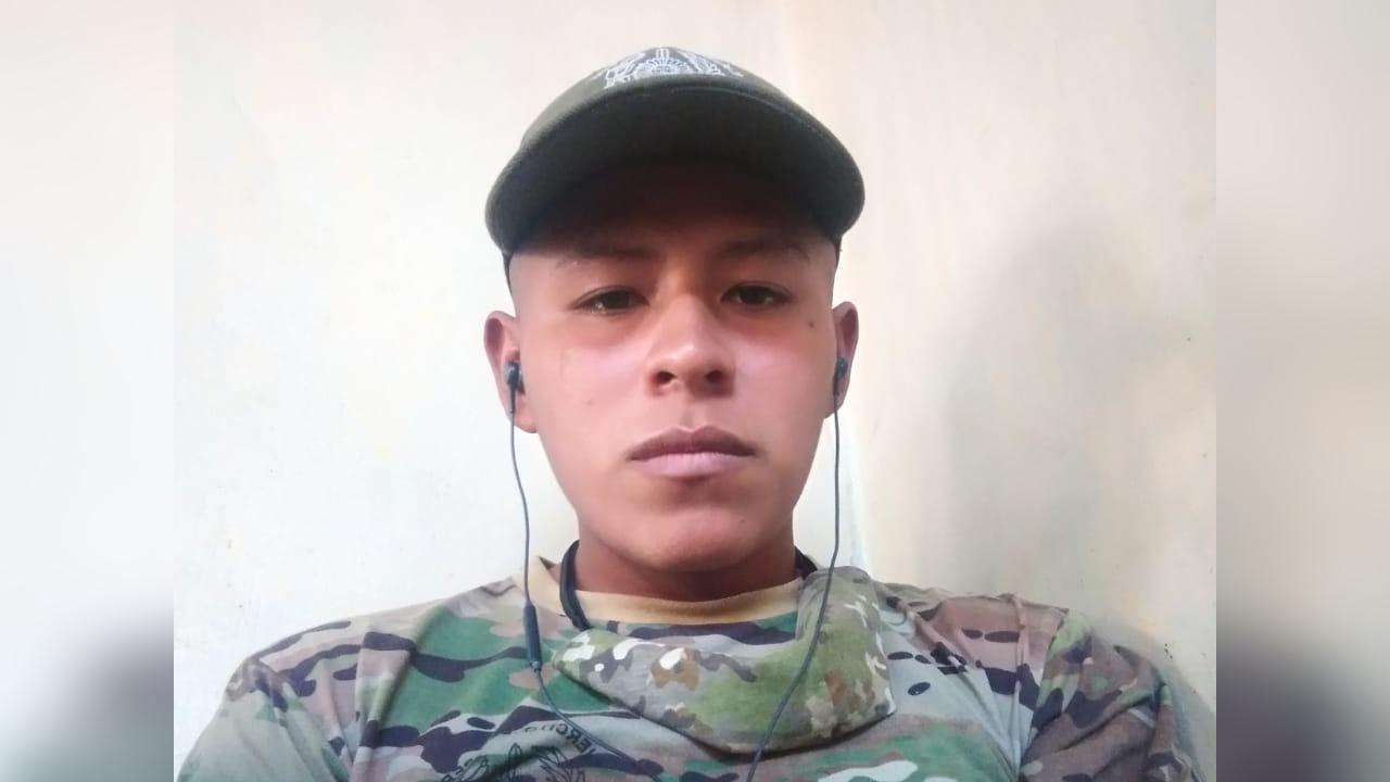 El soldado Elmer Mendoza denunció que era víctima de abuso físico y psicológico por parte de miembros del Ejército de mayor rango, informó el coronel Martín Cárdenas.