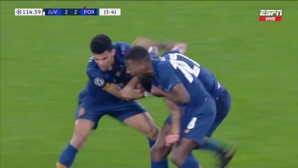 Con este gol de Sergio Oliveira, Porto eliminó a Juventus