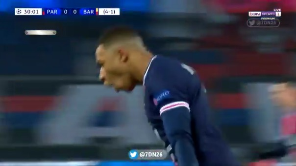 Gol de Kylian Mbappé ante Barcelona