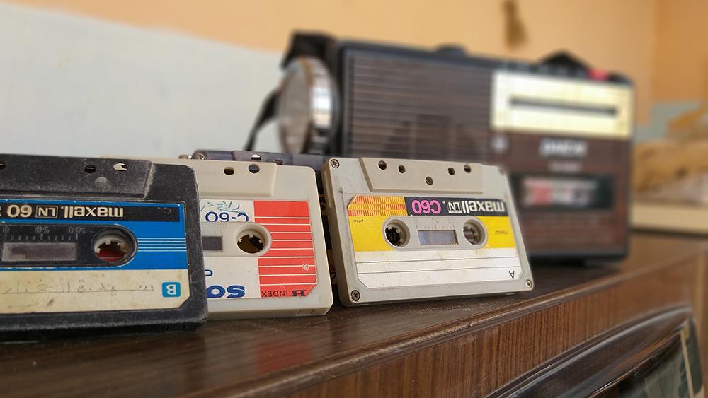 La decaída. El CD logró desplazar al casete, aunque no fue un proceso tan rápido. Recién en 2010 Sony dejó de fabricar reproductores de casete personales. Ese mismo año, también se incluyó por última vez una casetera en un auto nuevo.