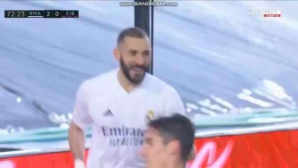 Gol de Karim Benzema para el 2-0 del Madrid ante Eibar