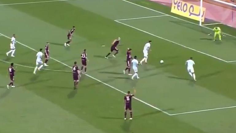 Este fue el pase gol de Cueva para 2-2 del Al-Fateh.
