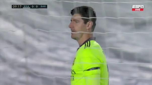Thibaut Courtois salvó al Real Madrid del ataque de Alba