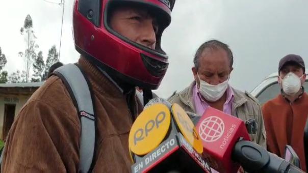 El candidato de Perú Libre, Pedro Castillo, también anunció que reducirá el sueldo de los congresistas y que solo vivirá con el sueldo de maestro.