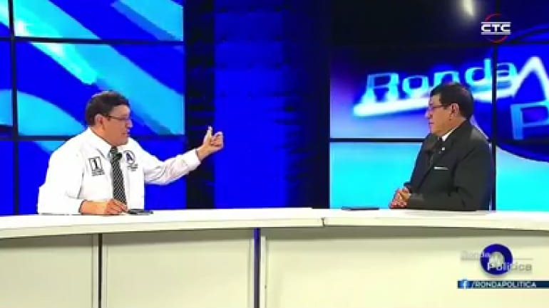 El candidato de Alianza Para el Progreso se realizó una autoentrevista el pasado 4 de abril en el programa de televisión que él conduce.