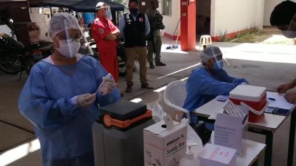 Piura tiene la logística para almacenar hasta 200 mil vacunas, en una congeladora prestada por la Universidad de Piura y otra adquirida por el Seguro Social.