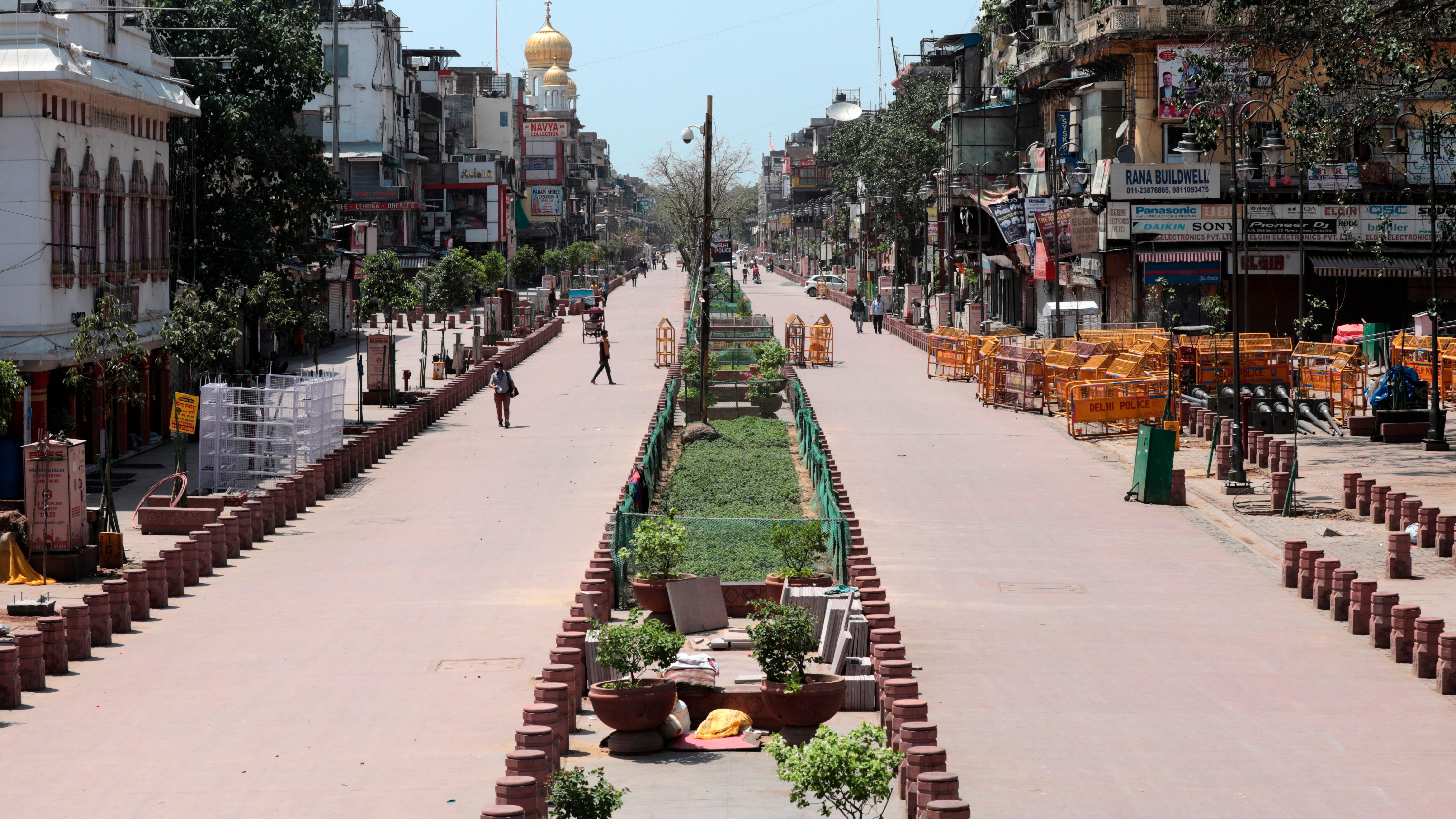 Según las órdenes de la Autoridad de Gestión de Desastres de Delhi, los gimnasios, spas, centros comerciales y auditorios permanecerán cerrados hasta nuevo aviso.