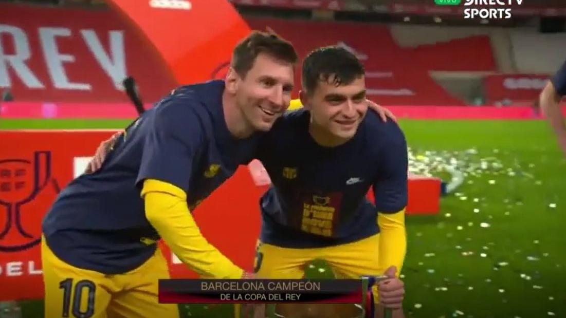 El momento entre Lionel Messi y los jugadores del Barcelona tras final de Copa del Rey.