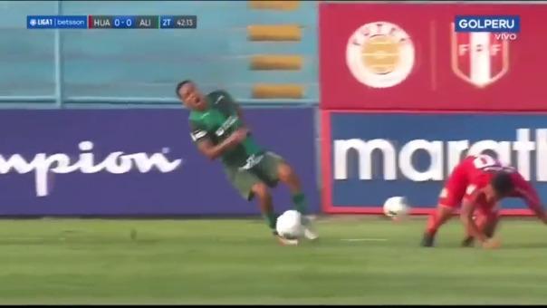 Así fue la lesión de Miguel Cornejo ante Sport Huancayo