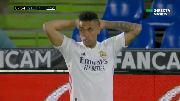 Gol anulado a Real Madrid.
