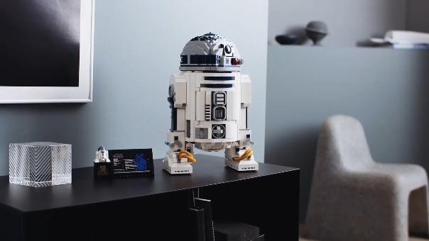 LEGO lanza una versión coleccionable de R2D2, el robot más famoso de los noventa.