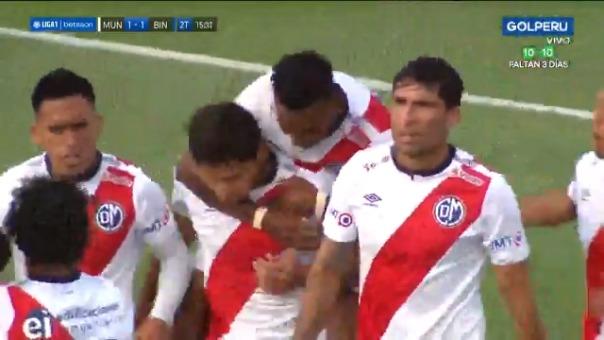 Roberto Ovelar consiguió el empate 1-1 para Municipal