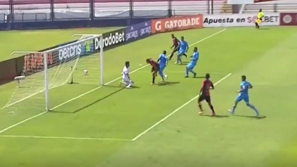Los dos goles en el partido entre Melgar y Binacional.