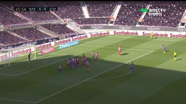 Lionel Messi casi marca este golazo de tiro libre ante Atlético de Madrid