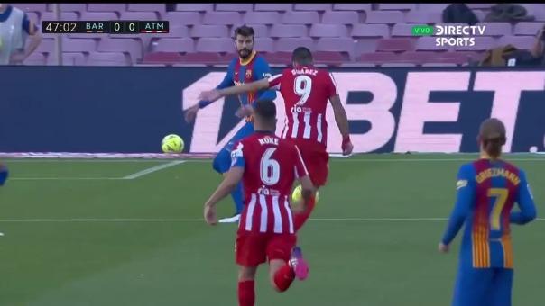 Luis Suárez perdió opción de anotar el 1-0 en el Camp Nou