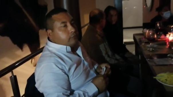 El alcalde de Trujillo, José Ruiz, fue intervenido cuando departía una cena en un lugar público durante el toque de queda.