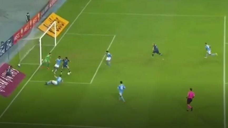 Así fue uno de los goles de Racing sobre Sporting Cristal.