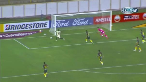 Alberto Quintero anotó el 1-0 de Universitario ante Defensa