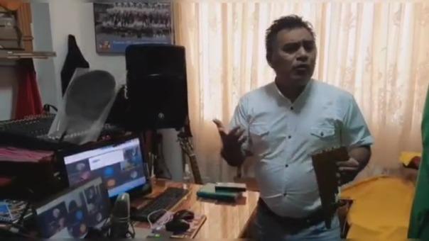 El profesor Zenobio Elera Pintado usa la música para generar conciencia en la población sobre la importancia de cuidarse de la COVID-19.