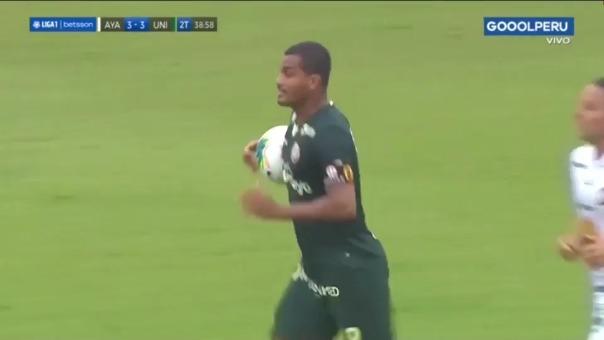 Nelinho Quina convirtió el definitivo 3-3 de Universitario de Deportes