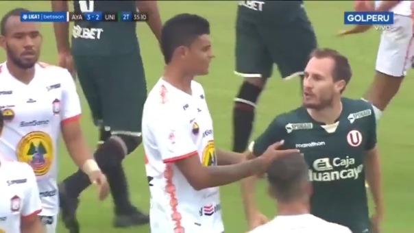 Hernán Novick fue expulsado tras agredir a Leandro Sosa